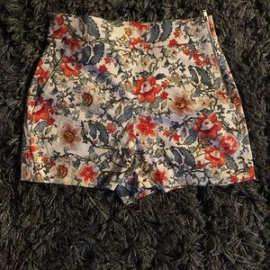 Women's Zara shorts in small